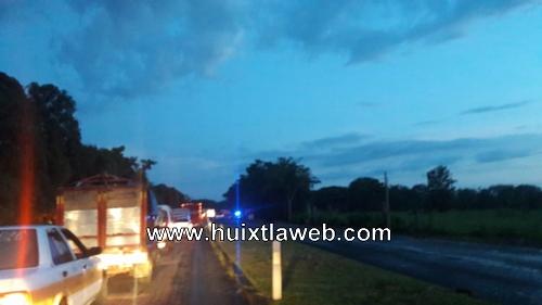 Caravana, accidentes y puesto de revisión colapsan carretera Huixtla a Tapachula