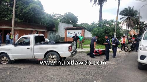 Una persona gravemente lesionada al ser arrollado motocicleta en la glorieta salida Huixtla Tapachula