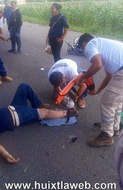 Motociclista se fractura al ser arrollado por camioneta carretera al ingenio
