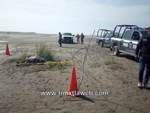 Muere migrante al volcar lancha en puerto Arista
