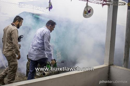 Inician fumigación y limpieza de panteón municipal en Mazatán