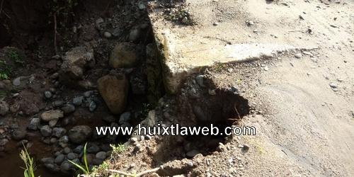 Cae puente vehicular en Huehuetán