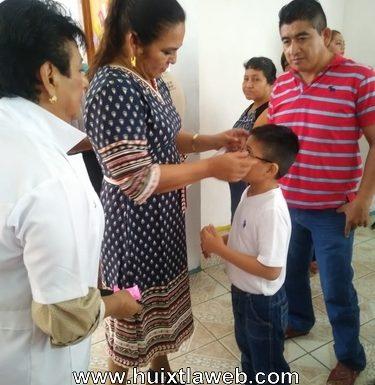 Exitosa campaña de salud visual en Huixtla