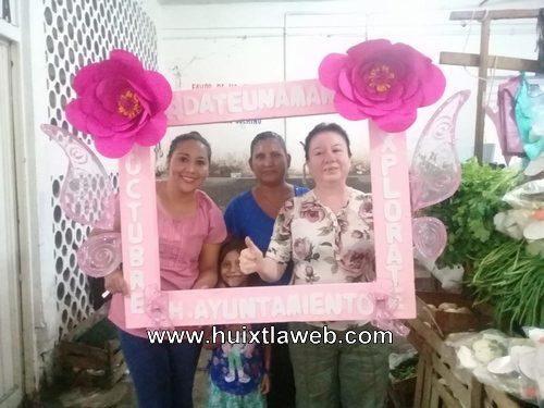 Salud municipal de Huixtla promociona las campañas de salud de la mujer en el mercado público Miguel Hidalgo