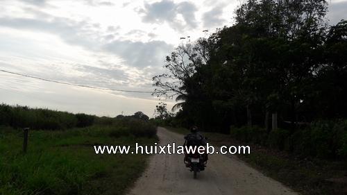 Policías aseguran una tonelada de cohetes en Huixtla