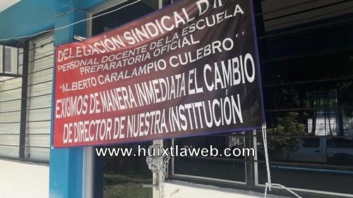 Impiden el acceso al director de la prepa en Huixtla