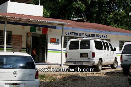 Se quejan por deficiencia en el centro de salud en Huixtla