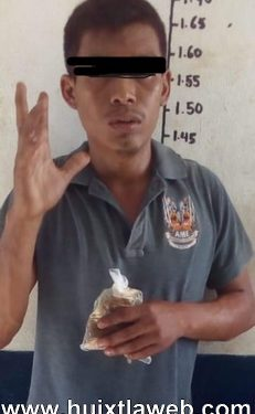 Detienen a huehueteco que con cuchillo amenazaba estudiantes en Huixtla