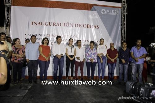 José Luis Laparra Calderón inaugura primeras catorce calles y dio banderazo de inicio a diez calles más