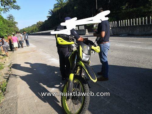 A balazos rescatan motocicleta robada en Huehuetán