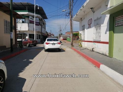Triciclero es atropellado por vehículo en el centro de Huixtla