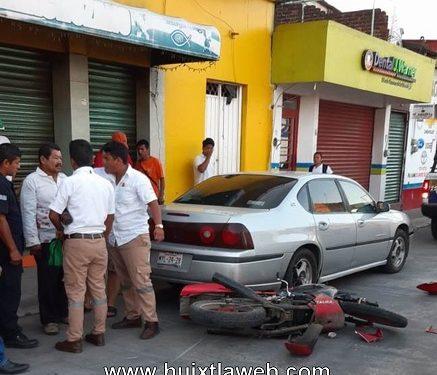 Se accidente motociclista en el centro de Huixtla