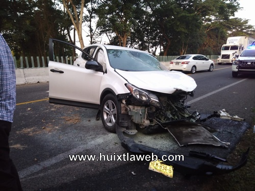 Chocan vehículos en Huehuetán