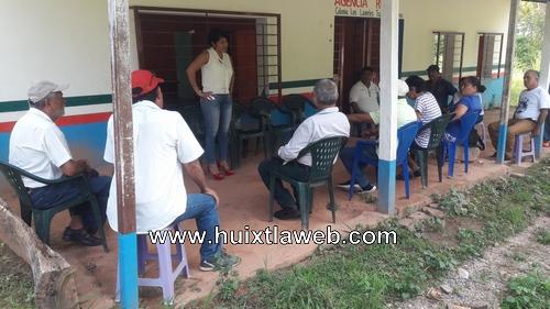 Comunidades de Tuzantán piden intervención de diputada para atender problemas de agua entubada