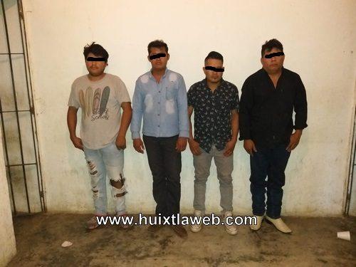 Elementos de la PEP y policía municipal detienen a 4 sujetos con billetes falsos y marihuana en Tuzantán