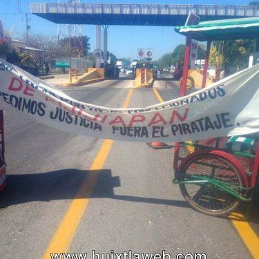 Transportistas de la costa bloquean carretera Pijijiapan Tonalá