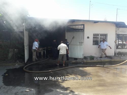 Se incendia casa en los milenios de Huixtla