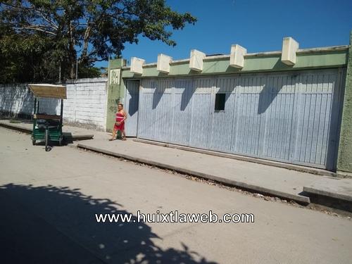 Sin clases por falta de maestros escuela de Huixtla