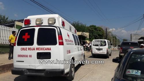 Colectivo obstruye servicio de ambulancia en Huixtla
