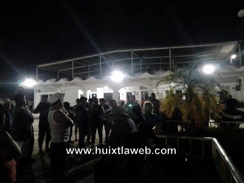 Toman alcaldía de Tuzantán por falta de agua