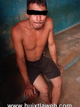 Detienen a El pulga por robo a papelería en el centro de Huixtla