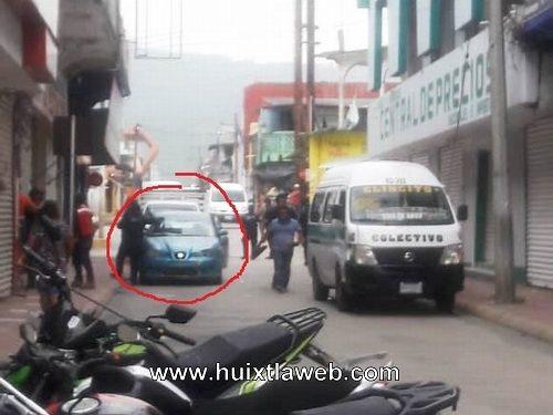 Choca colectivo en centro de Huixtla