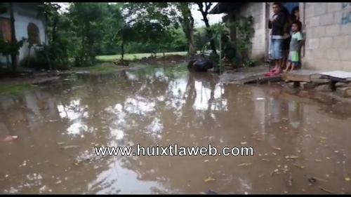 Constructora provoca inundaciones en Huixtla