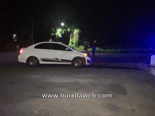 Auto choca contra el venado entrada a Mazatán