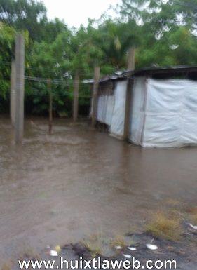 96 familias de 8 comunidades de Huehuetán sufren inundaciones
