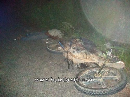 En Pijijiapan motociclistas mueren al chocar de frente
