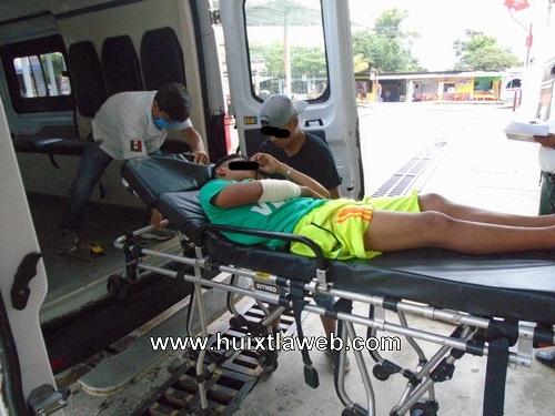 Menor motociclista tuzanteco atropellado por colectivo