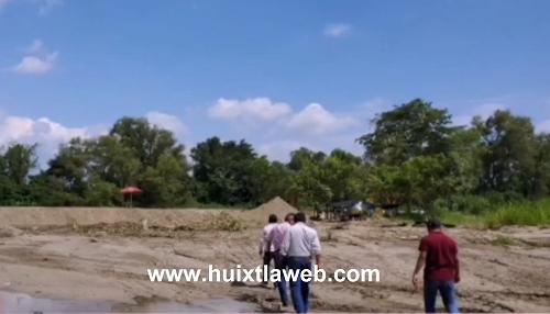Campesinos tapan ventana del río Huixtla