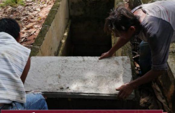 Gobierno municipal coloca tapas a bóvedas descubiertas en el panteón de Huixtla