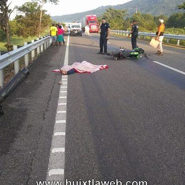 Por librar un perro dos heridos y una persona muerta, iban en motocicleta