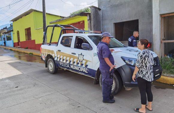 Desmantelan vehículo de profesor en Tuzantán
