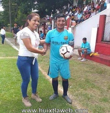 Espectacular final y cuadrangular de fútbol veteranos en el ejido Xochiltepec