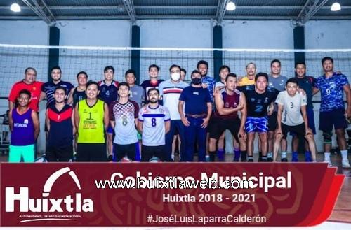 Gobierno municipal apoya a la juventud deportista de Huixtla