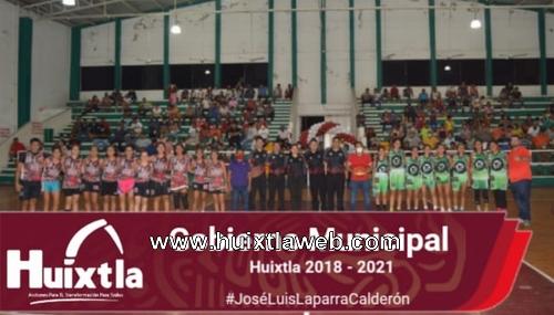 Gobierno de Huixtla premia torneo entre amigos