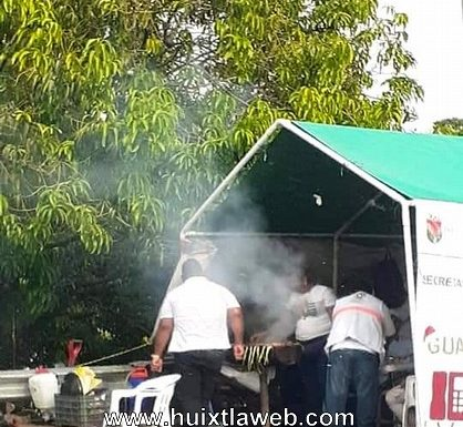 Protección civil, celebra con carnita asada en Villa Comaltitlán