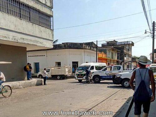 Patrulla choca contra colectivo paulino en Huixtla