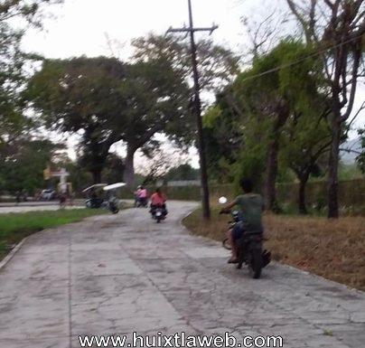 Unidad deportiva convertida en pista de carrera de motos