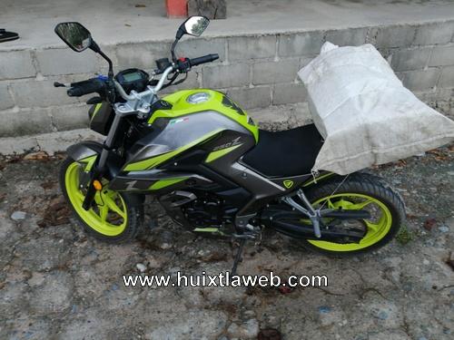 Tránsito recupera en Tuzantán motocicleta con reporte de robo