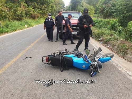 Dos lesionados al chocar motociclistas en Tuzantán