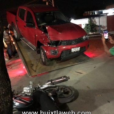 Grave menor de 9 años que viajaba en la motocicleta fue arrollada en Huixtla