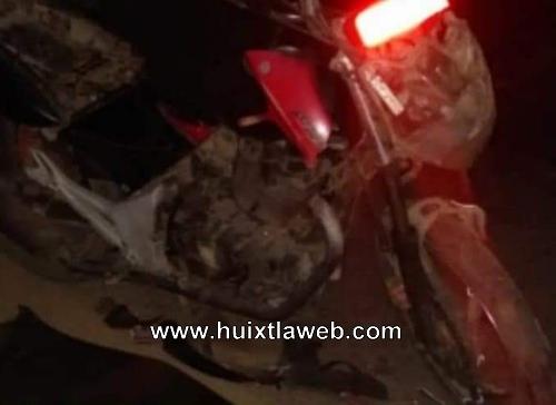 Motociclista muere al chocar con carreta cañera