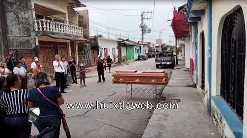 Presentan cuerpo de Motociclista ante fiscalía en Huixtla