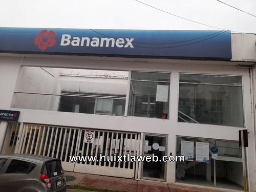 Para evitar contagios de Covid,  cierra Banamex, sucursal Huixtla