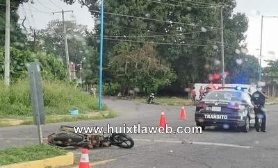 Por falta de precaución chocan motociclistas en Mazatán