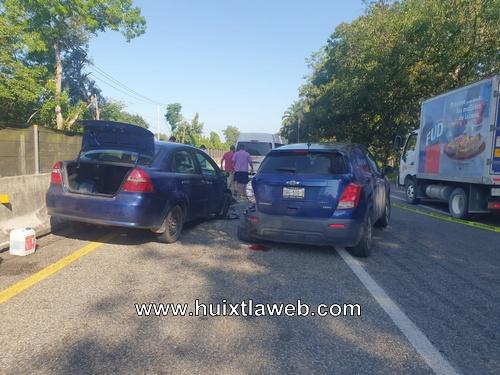 Carambolazo de tres vehículos tramo Huixtla-Tapachula