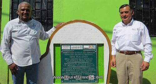 Al término del año, Cueto Villanueva entrega una obra más a los huixtlecos